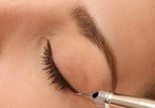 Профессиональный перманентный макияж может не только подчеркнуть Ваши достоинства, но и скорректировать недостатки...